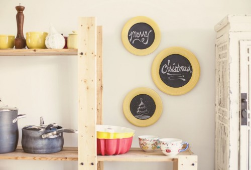 декоративные тарелки на кухне фото