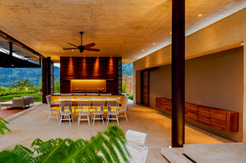 открытая кухня в тропическом стиле