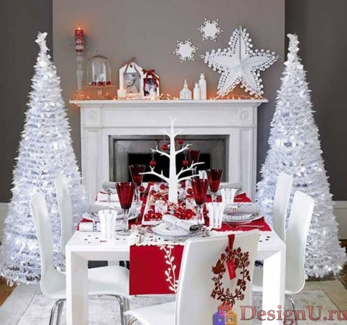 рождественский декор в белом и красном цветах