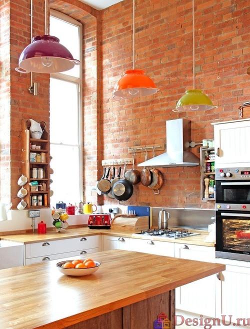 эклектика на кирпичной кухне