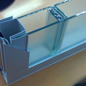 Монтаж профильного стекла