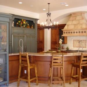 Интерьер кухни в колониальном стиле